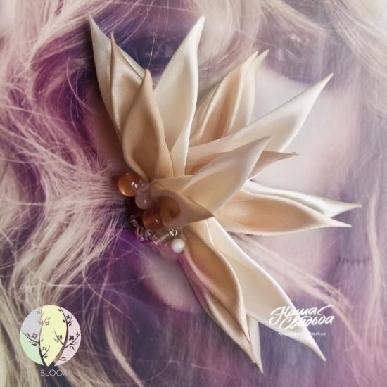 Цветы из ткани 19